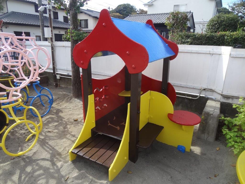保育園遊具の塗装工事