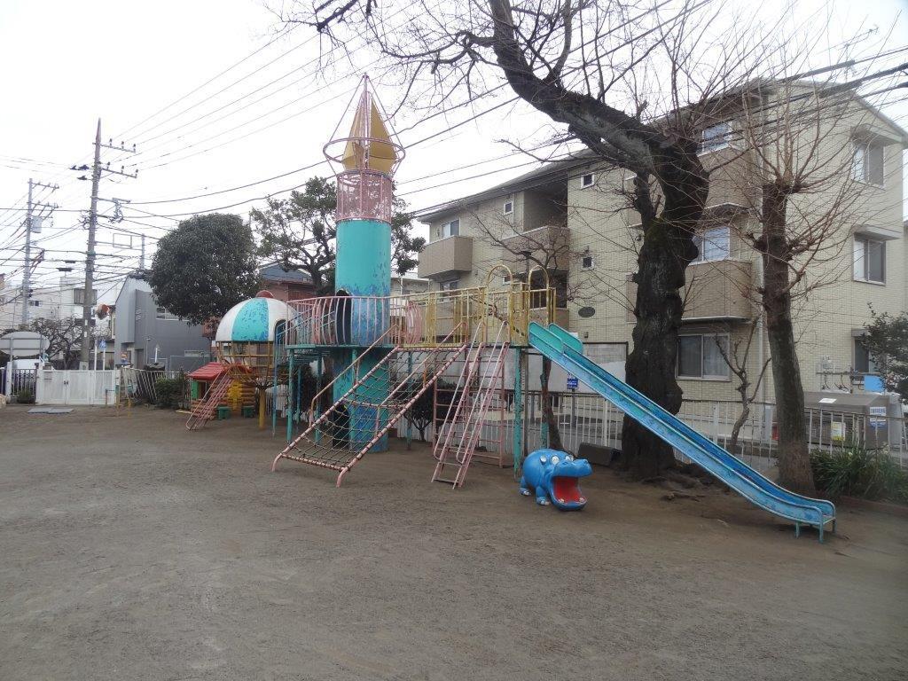 幼稚園遊具の塗装工事【座間市】 before1
