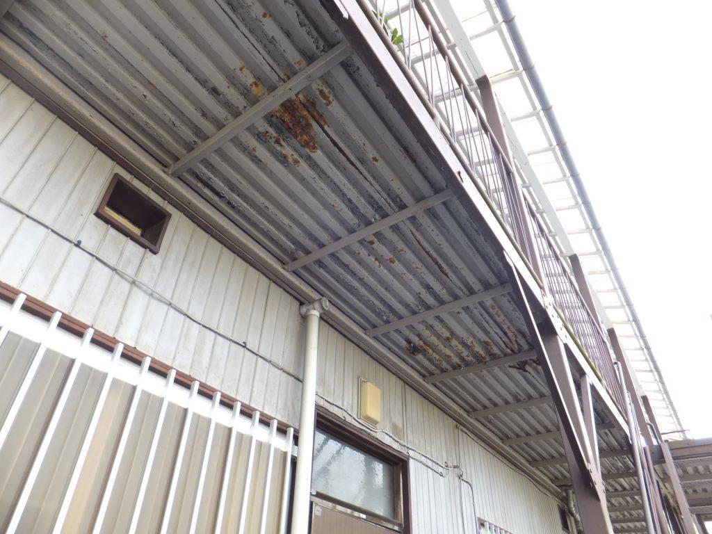 アパート通路階段塗装【横浜市栄区】ファインシリコンフレッシュ before2